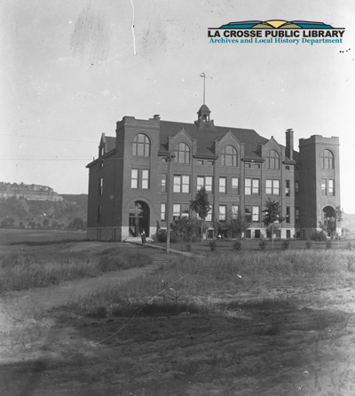 Hogan_School_ca_1899_or_1900_derivative300dpi_credit_copy.jpg