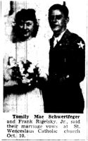 1945-10-15_Trib_p05_Tomily_Schwertfeger_marries_2nd_Division_veteran_thumb.jpg