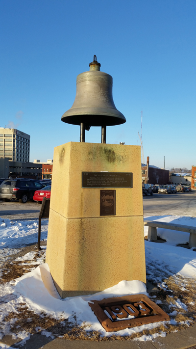 Courthouse_bell_and_stand_at_4th_and_Vine_Streets_B.jpg