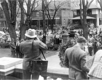 Crowd_outside_Gundersen_home_1509_King_St_copy.jpg
