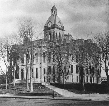 courthouse1904.jpg